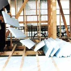 パタパタは木造住宅床断熱用スタイロフォーム